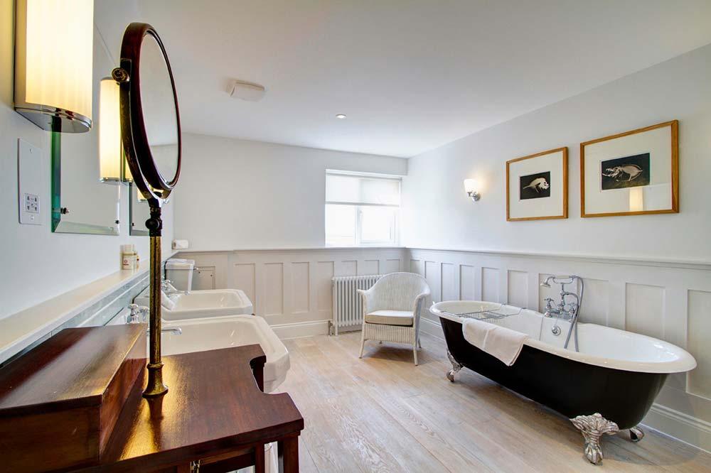 Bathroom at the Seaside Boarding House in Burton Bradstock
