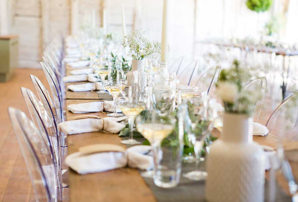 mapperton-wedding-table-setup